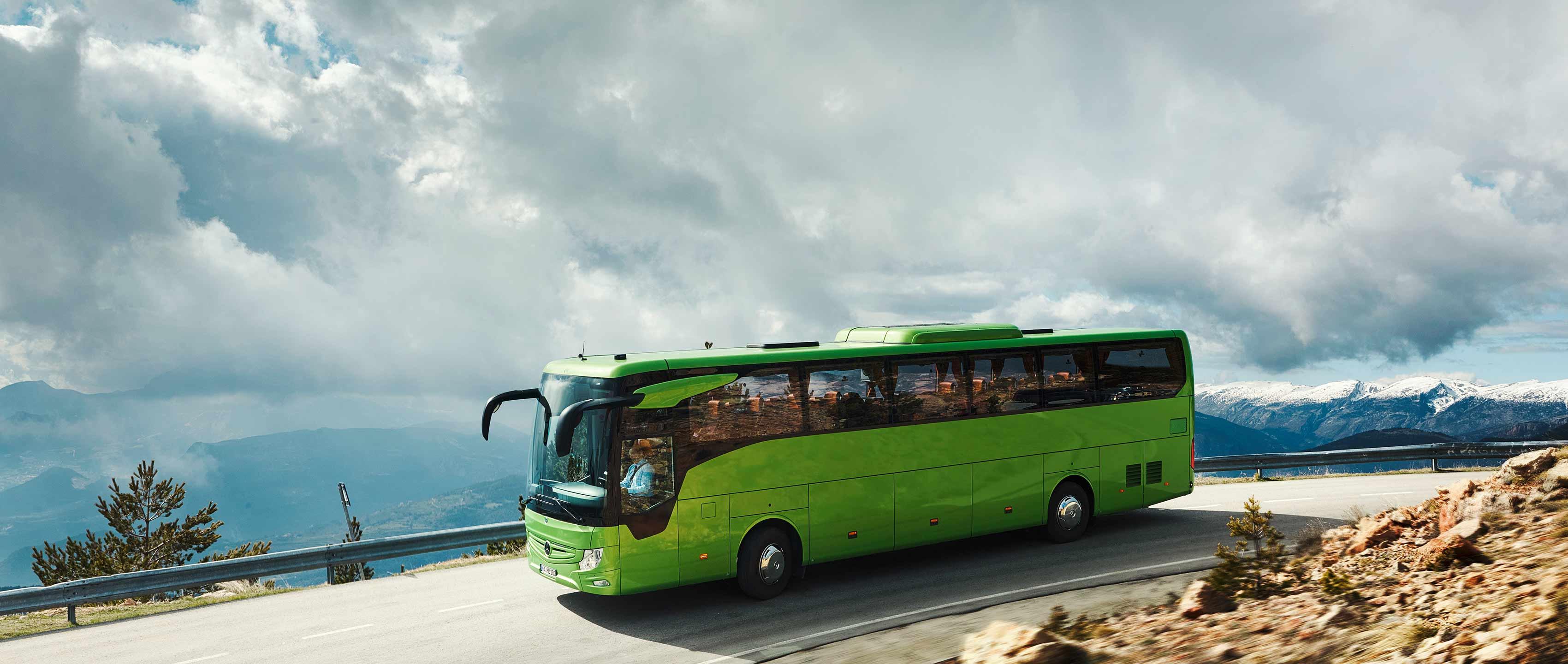 Ceļot ar autobusu vai auto